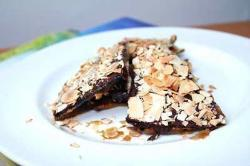Caramelized Matzoh Crunch with Chocolate